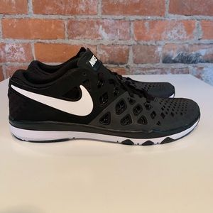Nike Cross Training Shoes Mens Size 7.5 new